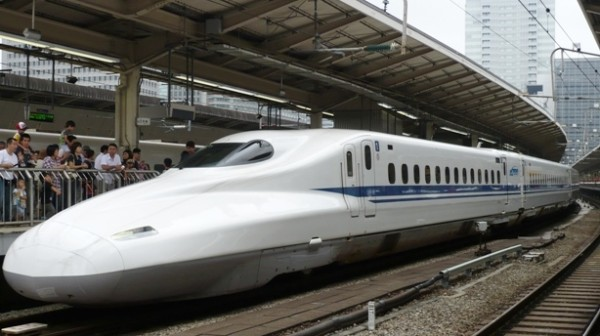 Now it's time to take Tokaido Shinkansen (bullet train) to go to Osaka!