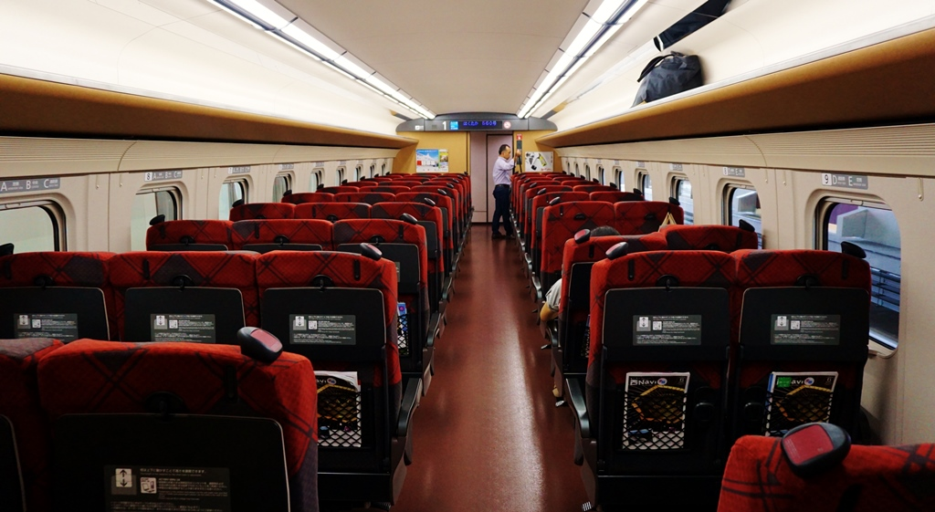 Designer's seats are so comfortable! (ordinary seats shown & upgrade to Green or Gran Class available at extra fees)