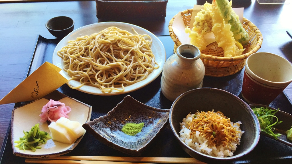 Must try hand-made fresh Soba noodle with crispy tempura!